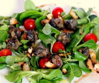 salade avec escargots en court-bouillon